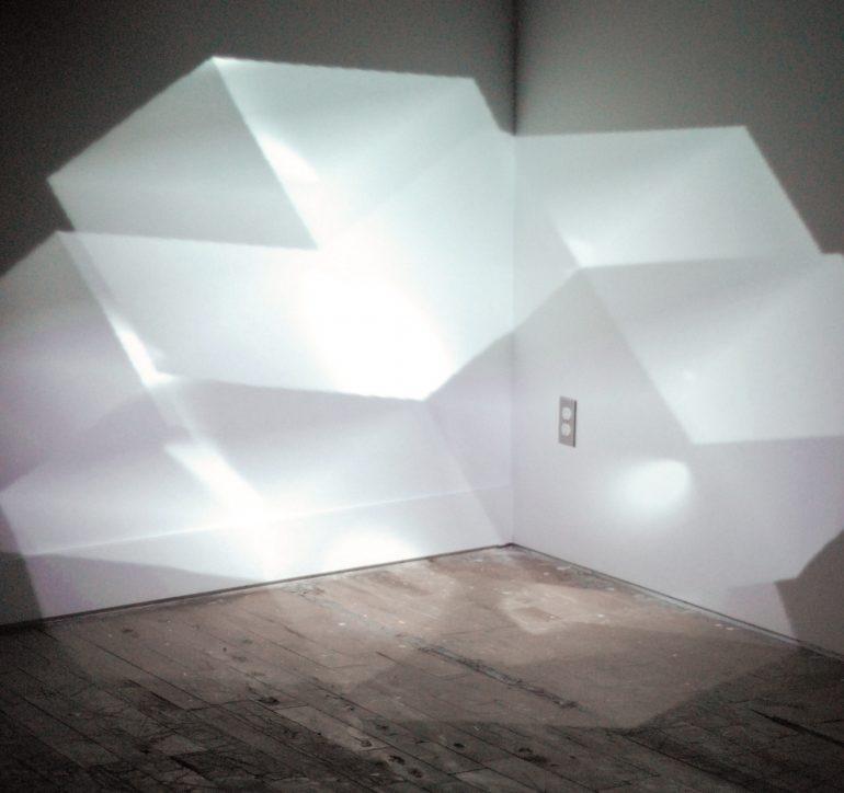 2011 | Coup d'éclats | performance AV | projection volumétrique
