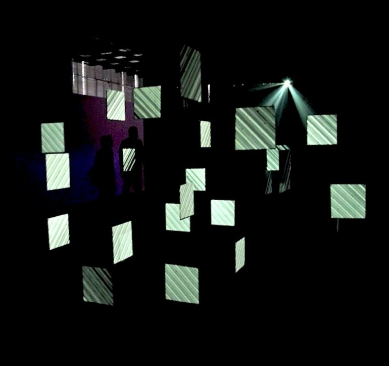2010 | Flow | installation AV | projection volumétrique